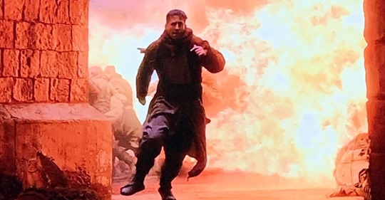 Video: Aaron Rodgers Goes Up In Flames During His Game Of Thrones Appearance
